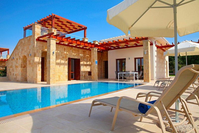 Aphrodite Hills 3 Bedroom Villa - Karina, vacation rental in Kouklia