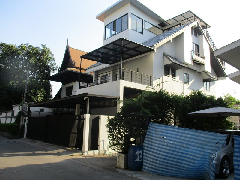 3 bedroom house in the city center, holiday rental in Phra Pradaeng