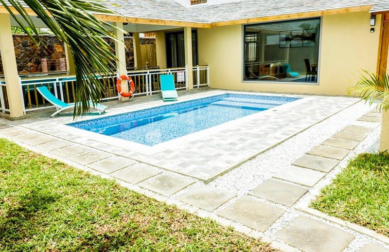 Spacious villa with swimming-pool, location de vacances à Pointe aux Canonniers