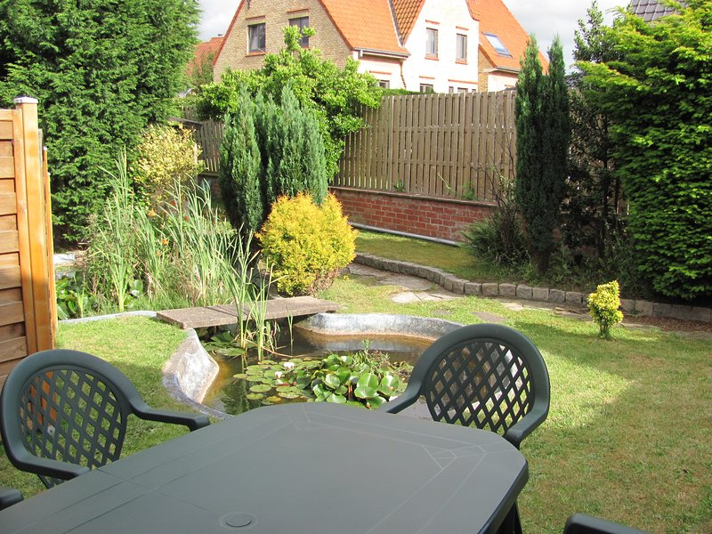 Beautiful apartment near the beach, holiday rental in Sint-Idesbald