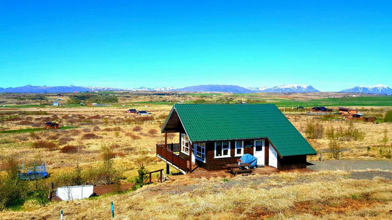 Golden circle house with hot tub, vacation rental in Fludir