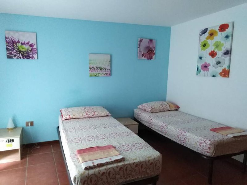 Apartment with shared pool, alquiler vacacional en Forza d'Agro