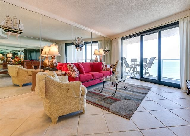 Budget-friendly, beautiful, clean condo with gulf views and a private balcony, vacation rental in Miramar Beach