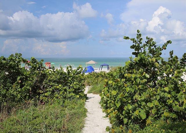 Sand Castle I- Condominium 206, vacation rental in Indian Shores