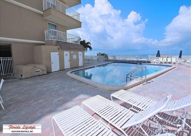 Sea Gate Condominium 201, casa vacanza a Indian Shores