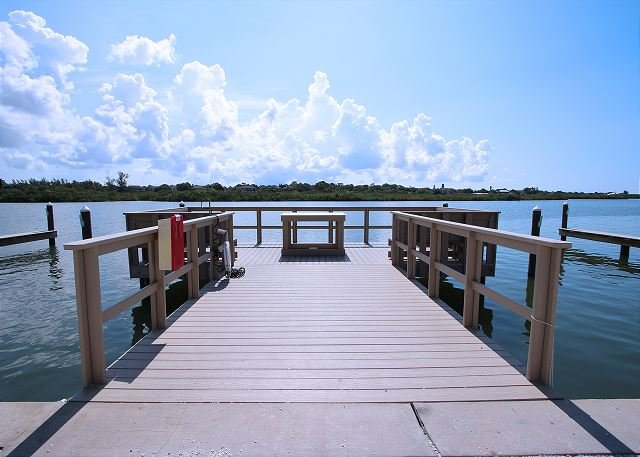 Barefoot Beach Resort Condominium 217E, holiday rental in Indian Shores