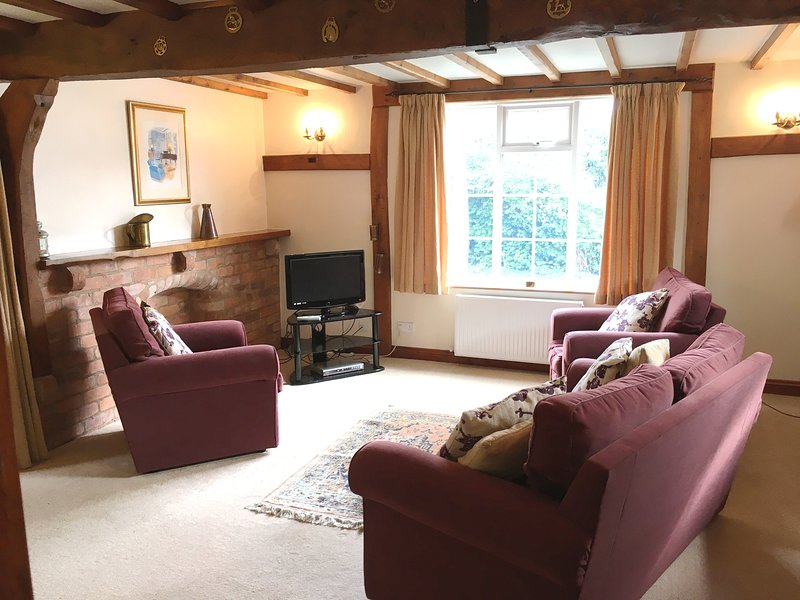 Hall Farm Cottages, Coopers, holiday rental in Wickhamford
