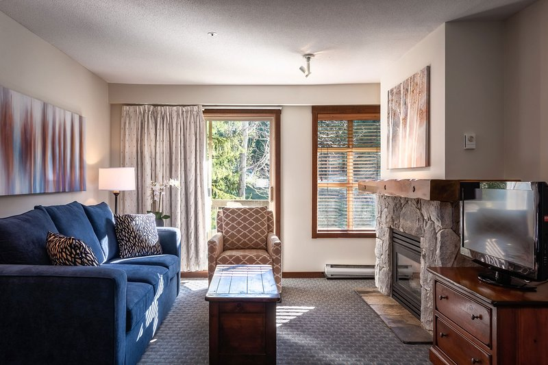 Relax and unwind in front of the fireplace, or watch a movie and sink into the comfy sofas.