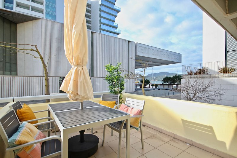 Osyris White Apartment, Troia, Setubal, vacation rental in Portinho da Arrabida