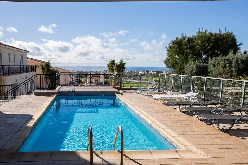 Villa Panikos(private pool and seaview), holiday rental in Empa