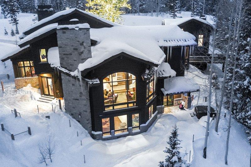 Camino de invierno en la colonia