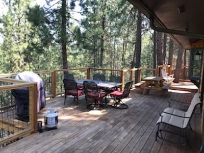 5 BR Cabin in the Woods - Hot tub, Fireplace, Deck, close to Old Mill & Mt. Bach, location de vacances à Central Oregon