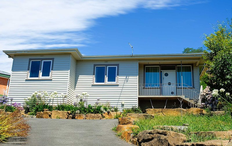 Prospect Home with View, holiday rental in Launceston