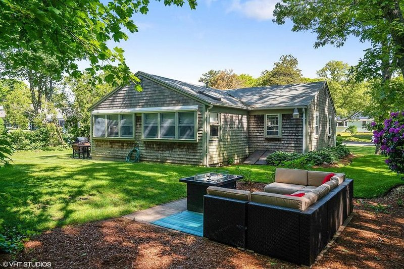 Sit back - relax and enjoy your vacation- 13 Carol Lane West Harwich Cape Cod New England Vacation Rentals