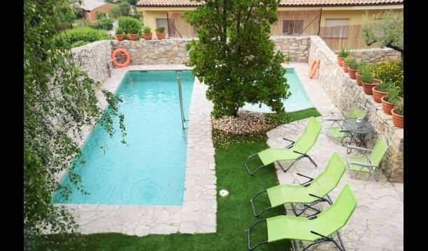 La Llacuna Villa Sleeps 6 with Pool - 5715834, holiday rental in Sant Domi