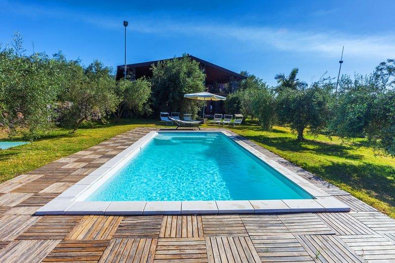 Villa Karen, location de vacances à Acitrezza