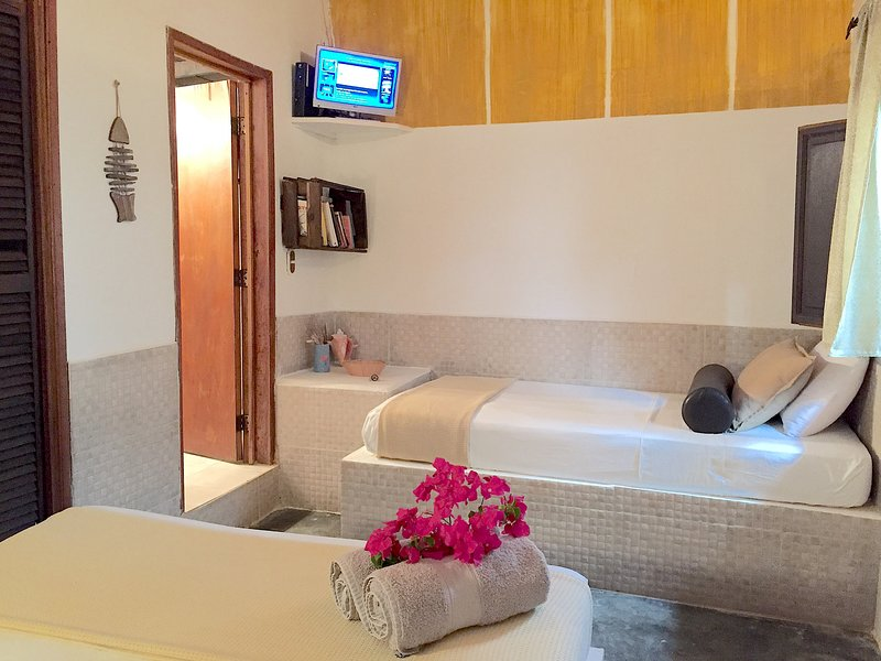 POSADA LAGUNITA ~Room Quadruple+Breakfast~, alquiler de vacaciones en Parque Nacional Los Roques