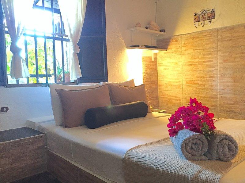 POSADA LAGUNITA ~Room Triple+Breakfast~, holiday rental in Insular Region