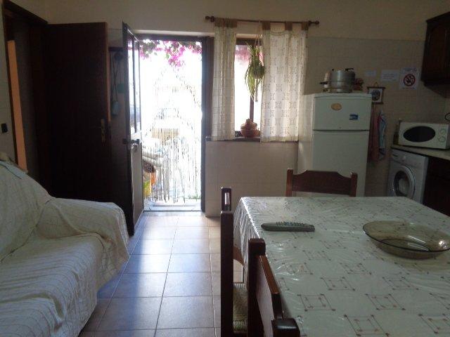 Beautiful house with balcony & Wifi, aluguéis de temporada em São Pedro