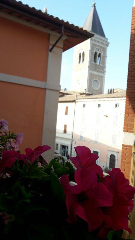 extern zicht op de Piazza Garibaldi