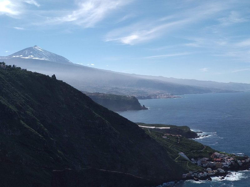 Best View Tenerife. Loft. Aparcamiento. Vistas al mar. Netflix. Internet., holiday rental in La Matanza de Acentejo