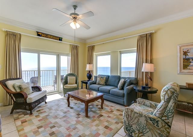 Aqua Therapy ~a very hard to find 3/3 on beach ~comfortable & clean ~2 pools, vacation rental in Miramar Beach