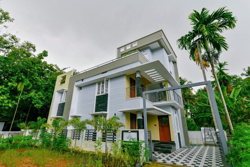 Fully furnished luxurious 2 BHK house new Aster Medcity Ernakulam., holiday rental in Kochi (Cochin)