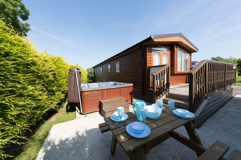 Herston Log Cabin Beech Lodge, holiday rental in Worth Matravers
