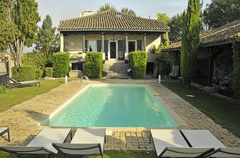 Amazing villa with swimming-pool, holiday rental in Puylaroque