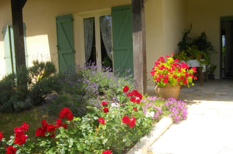 Nice apartment with swimming-pool, holiday rental in Monteils