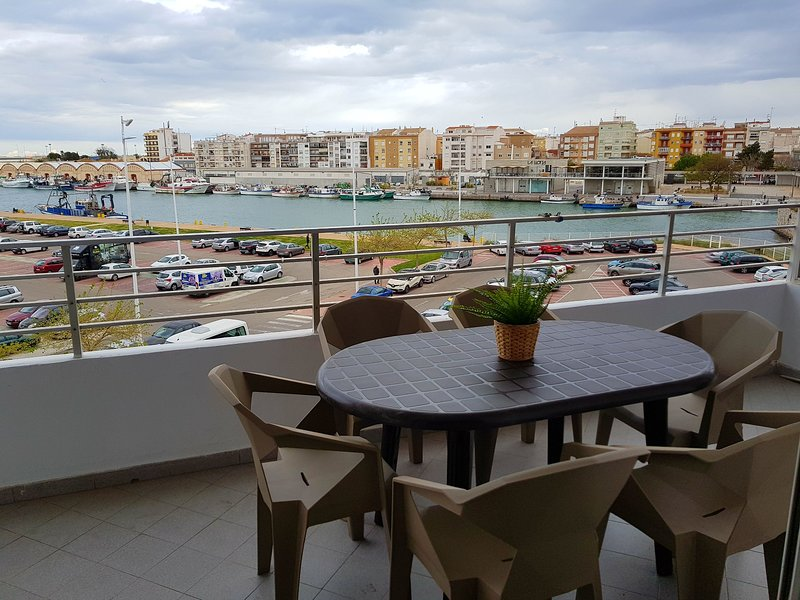 COZY APARTMENT WITH LOVELY VIEWS, holiday rental in Grau de Gandia