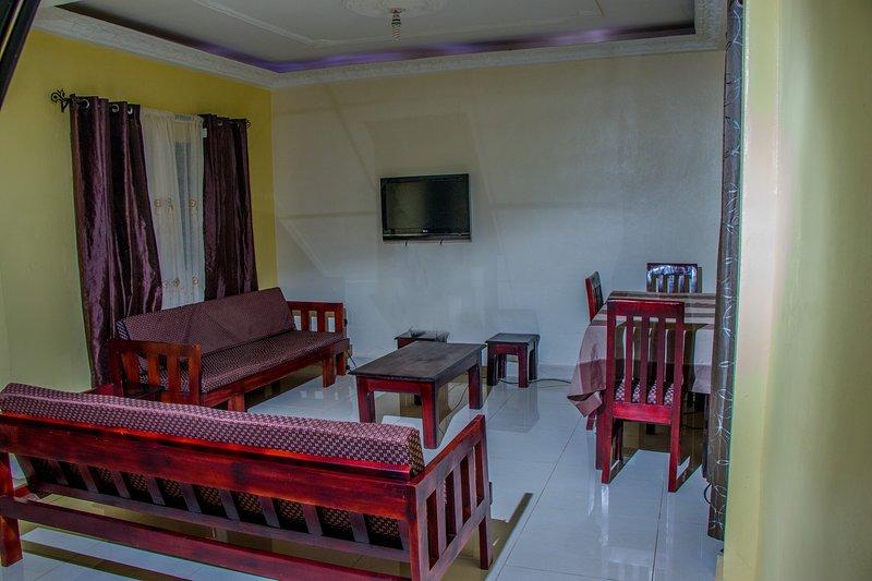 VISHI TOWER REST HOUSE, alquiler de vacaciones en Yaounde