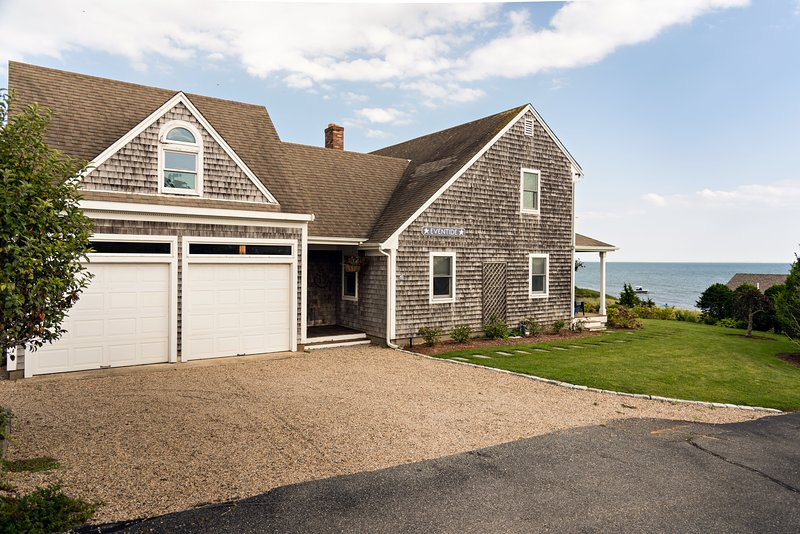 Waterfront 4 Bedroom House on Cape Cod, Ferienwohnung in South Chatham