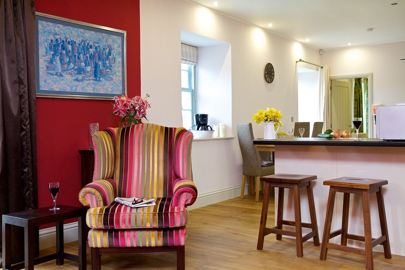 Locherlour Mill Cottage in historic Crieff. Perfect for couples., casa vacanza a Muthill