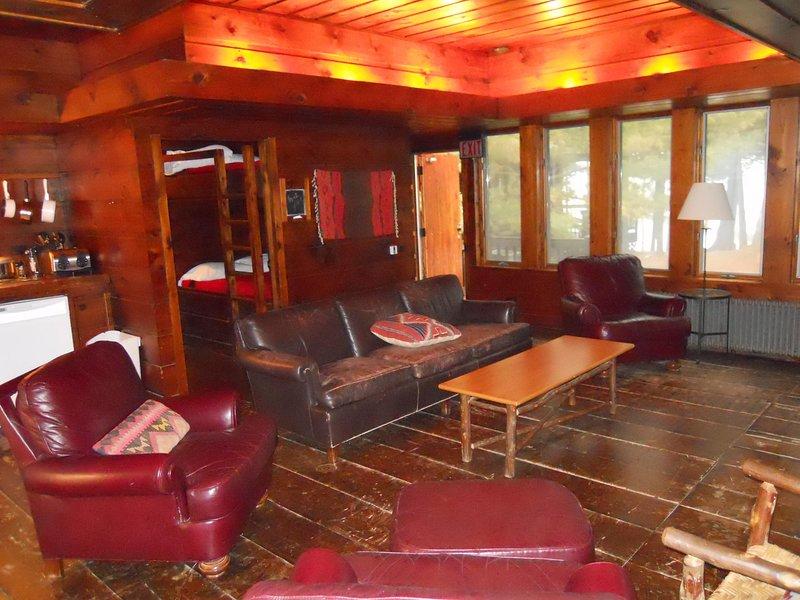 Imagen de la sala de estar de la cabina del ala este