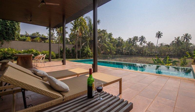 Bella Cuena by Vista Rooms, vacation rental in Nagoa