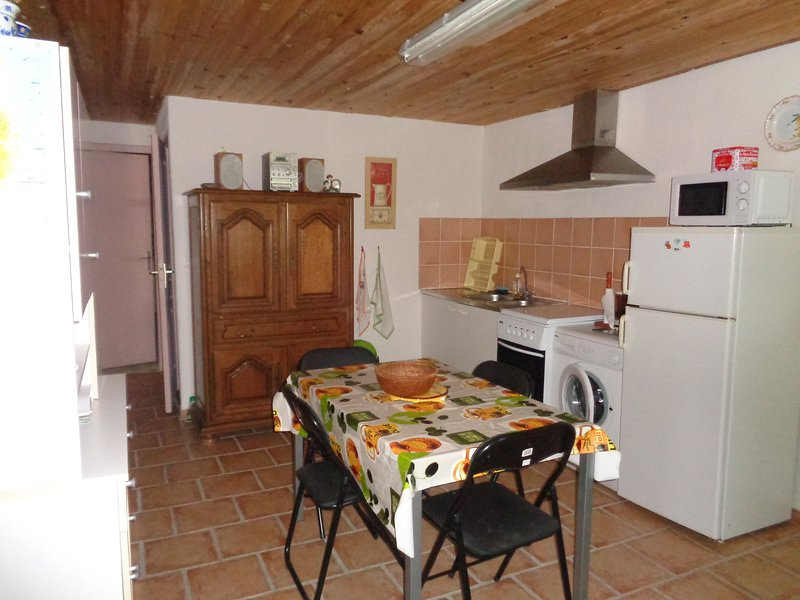 Nice property with garden & terrace, vacation rental in Sotta