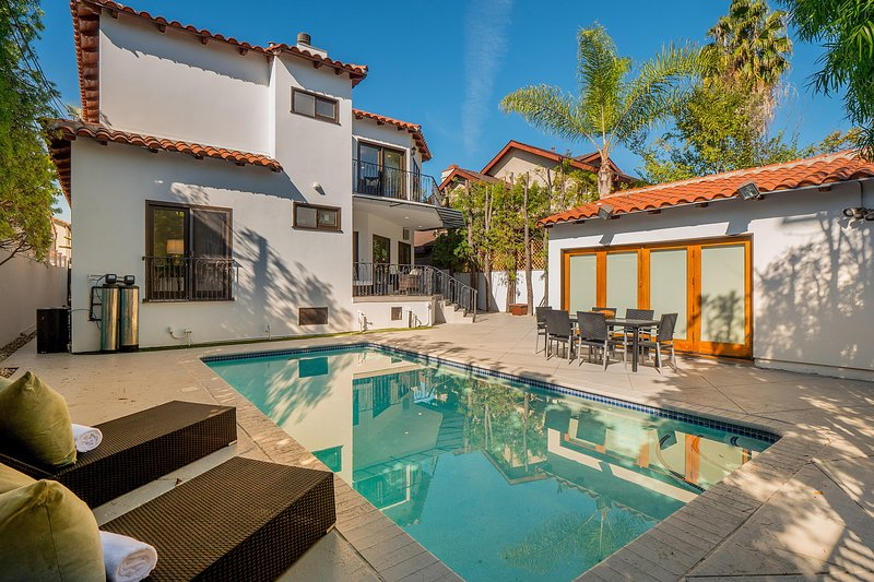 361 Gorgeous Beverly Hills Flats House With Pool And Guest House