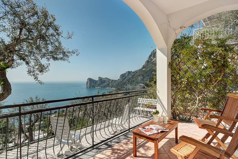 Incanto apartament stunning sea view, vacation rental in Nerano