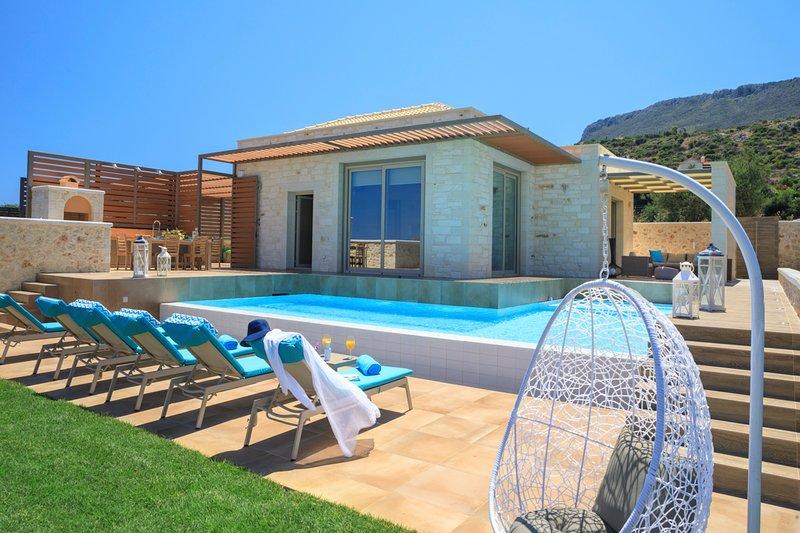 Plaka Villa Sleeps 6 with Pool and Air Con - 5757151, alquiler vacacional en Plaka