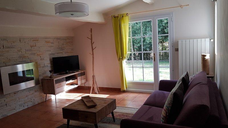 Chez Graziella 'AU BORD DE L'ALZON', vacation rental in Sanilhac-Sagries
