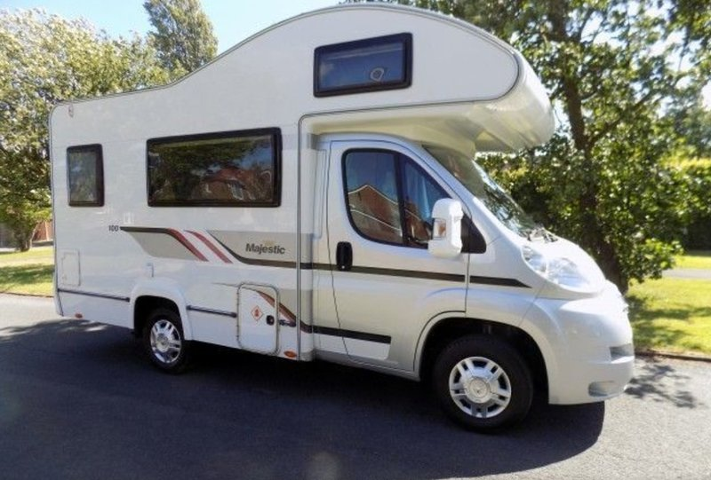 4 Berth Motorhome Hire, holiday rental in Milton Combe
