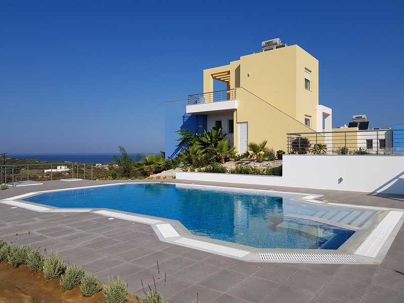Villa Neptun with private Pool, holiday rental in Mandraki