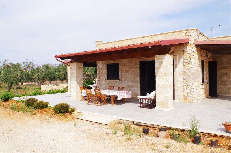 Big house with garden & terrace, alquiler vacacional en Lido Conchiglie