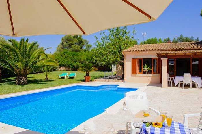 Cala Barca Farmhouse Sleeps 10 with Pool Air Con and WiFi - 5000766, holiday rental in Cala Mondrago