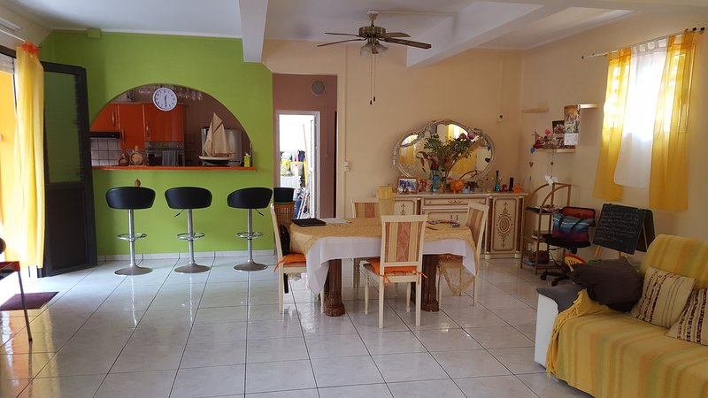 Spacious house with garden & Wifi, holiday rental in Le Morne-Vert