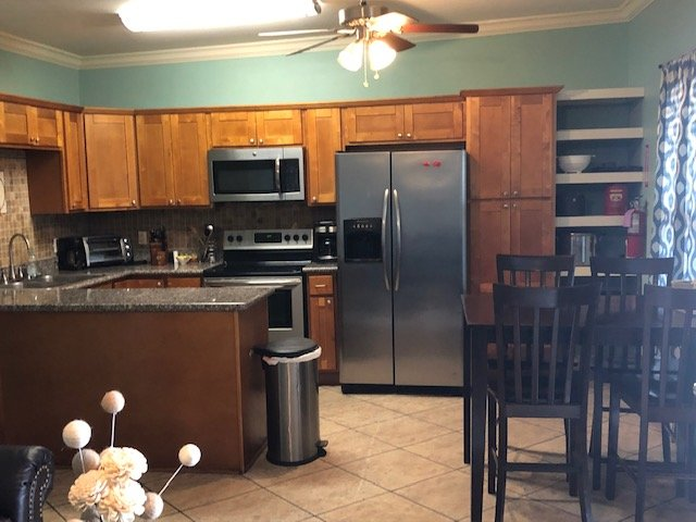 Unit 1 - 2 bedroom ( Sweetwater Marina Lodge & Guide Service), holiday rental in Saint Bernard