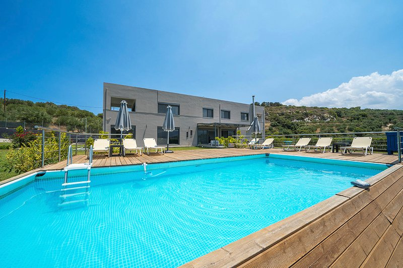 Agios Andreas Villa Sleeps 10 with Pool and Air Con - 5757153, casa vacanza a Tsivaras