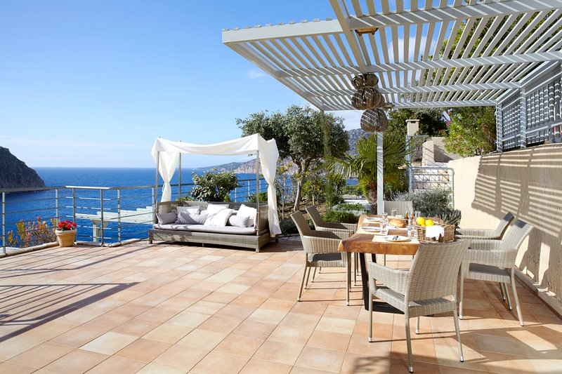 Asos Villa Sleeps 6 with Pool and Air Con - 5757166, vacation rental in Assos