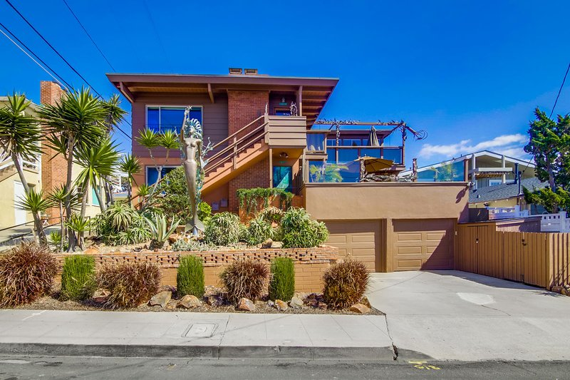 At The Beach occupies the entire first floor of this beach duplex.